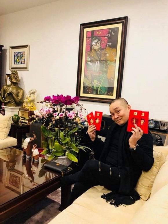 Nghệ sĩ Xuân Hinh khoe phòng để đồ, hé lộ bộ sưu tập áo dài đủ loại-5