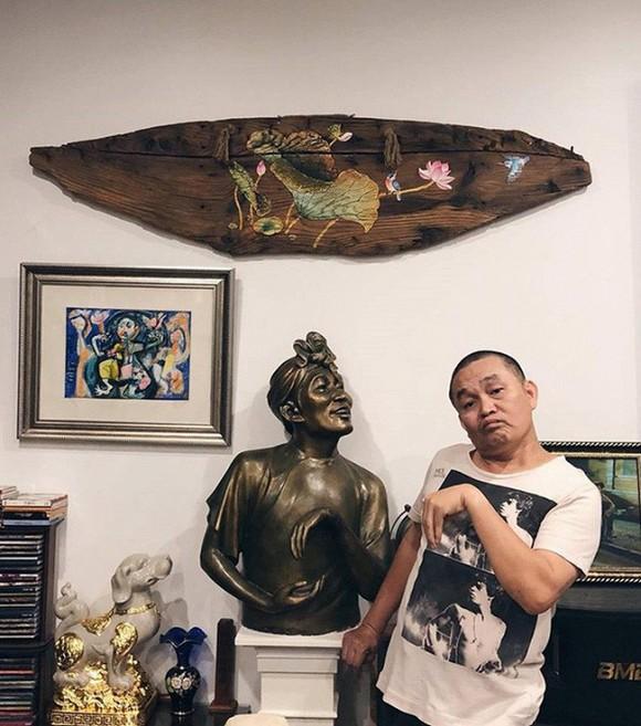 Nghệ sĩ Xuân Hinh khoe phòng để đồ, hé lộ bộ sưu tập áo dài đủ loại-7
