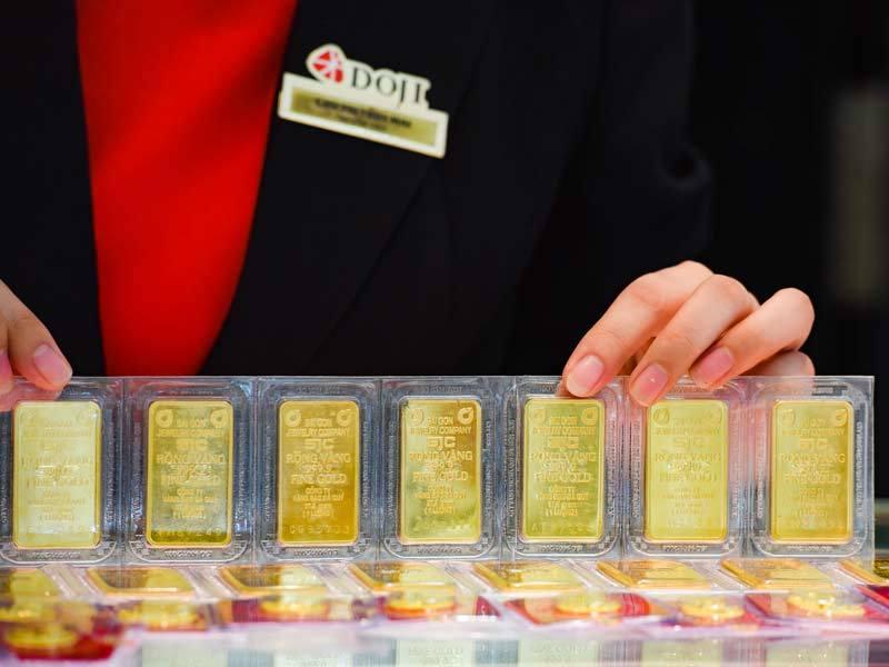Giá vàng hôm nay 3/4: Thất nghiệp gia tăng, vàng tăng vọt-1