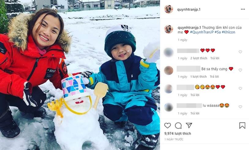 Vừa ra vlog mới vừa tiết lộ bé Sa bị sốt tận 39 độ còn co giật tới mức cắn vào tay mẹ, Quỳnh Trần JP khiến bao fan lo lắng vì thương Sa-3