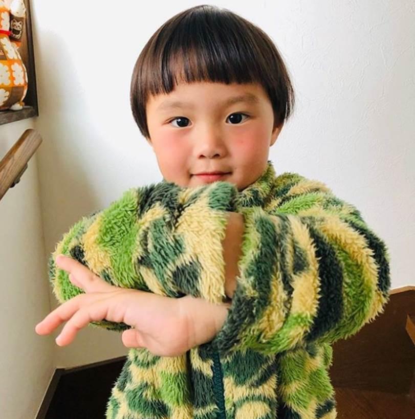 Vừa ra vlog mới vừa tiết lộ bé Sa bị sốt tận 39 độ còn co giật tới mức cắn vào tay mẹ, Quỳnh Trần JP khiến bao fan lo lắng vì thương Sa-6