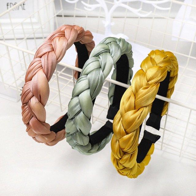 Hô biến mái tóc đơn giản, gọn gàng cùng 5 món phụ kiện xinh yêu được sao Việt lăng xê-6
