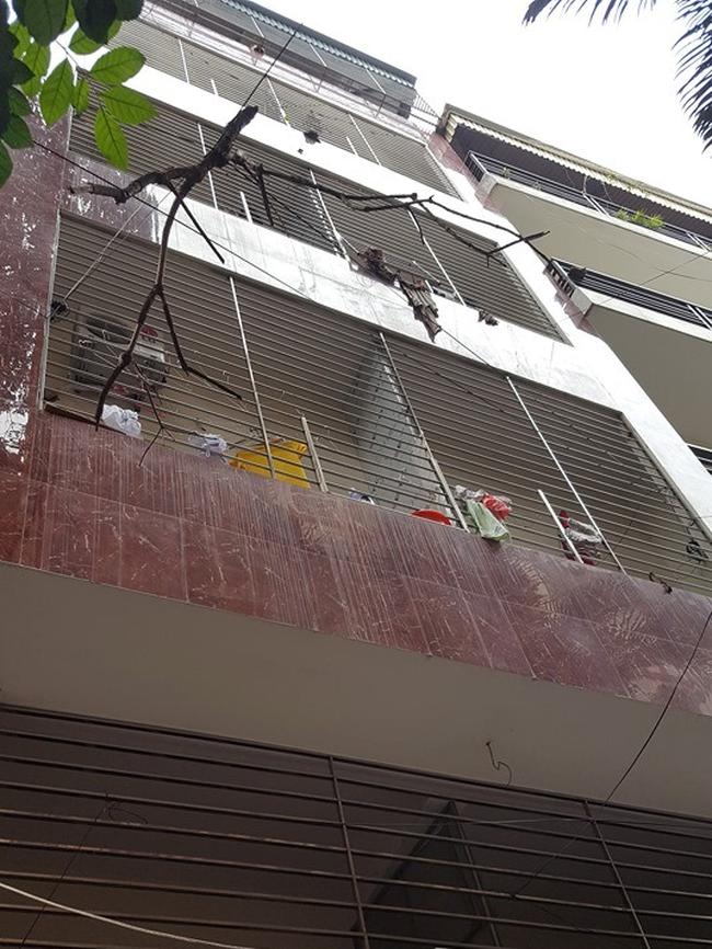 Vụ bé gái 3 tuổi tử vong nghi do bố mẹ bạo hành ở Hà Nội: Người bí mật báo công an để đưa nghi phạm ra ánh sáng là ai?-1