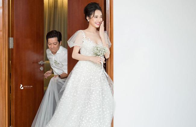 Hé lộ thêm hình ảnh hiếm trong lễ đính hôn bí mật cho thấy Trường Giang yêu chiều Nhã Phương đến cỡ nào-2