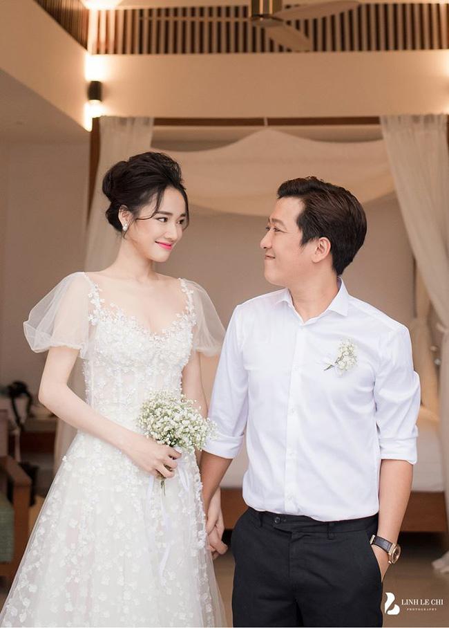 Hé lộ thêm hình ảnh hiếm trong lễ đính hôn bí mật cho thấy Trường Giang yêu chiều Nhã Phương đến cỡ nào-4