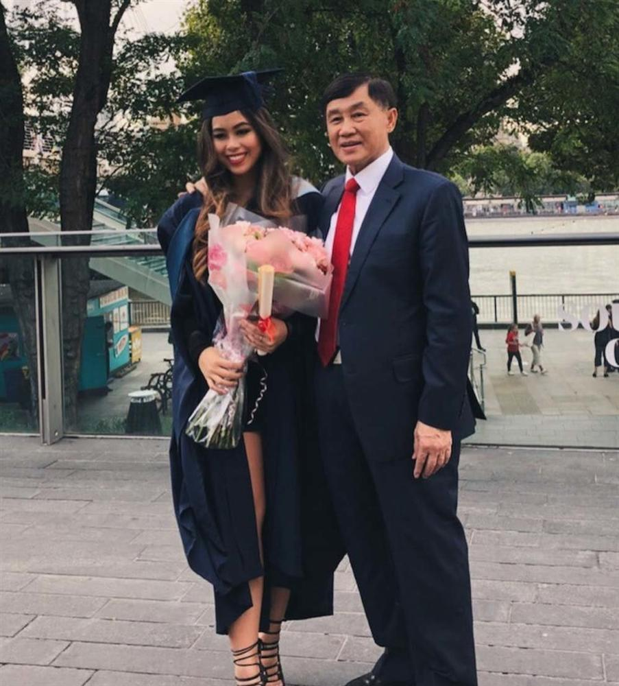 Em chồng Tăng Thanh Hà kể quá trình cách ly vì nhiễm COVID-19, được bác sĩ chăm ngày 3 bữa-3