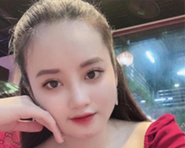 Nữ tiếp viên quán karaoke phẫu thuật thẩm mỹ như hotgirl để trốn truy nã-1