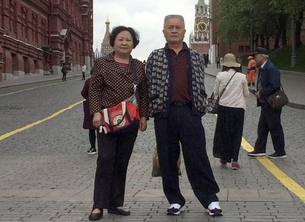 Nằm viện điều trị suốt 1 tháng trời ở Vũ Hán, con trai không hề hay biết bố mình đã qua đời do Covid-19-1