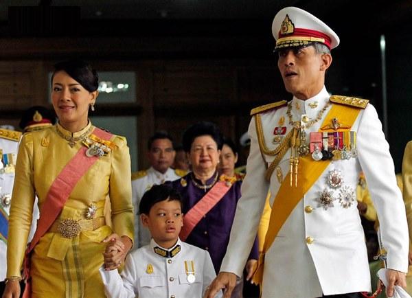 Hoàng tử Thái Lan: Vừa học giỏi vừa có địa vị tôn quý nhưng chưa chắc đã được kế vị bởi 1 điều-2