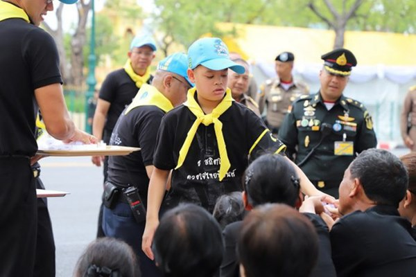 Hoàng tử Thái Lan: Vừa học giỏi vừa có địa vị tôn quý nhưng chưa chắc đã được kế vị bởi 1 điều-4
