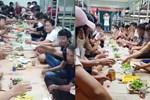 Nhóm người tụ tập ăn uống trong khu cách ly bị phạt 800.000 đồng-3