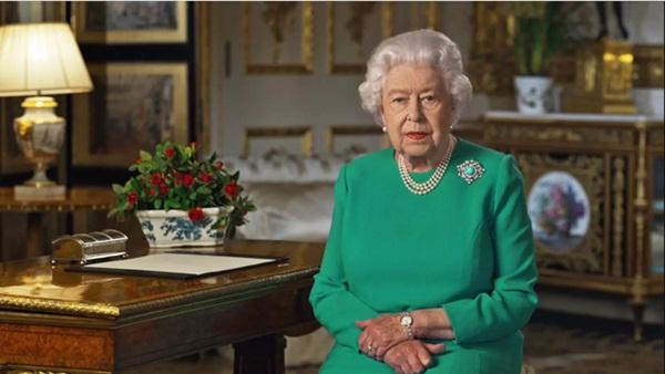 Nữ hoàng Anh lần đầu xuất hiện công khai phát biểu về Covid-19 sau thời gian ở ẩn-1