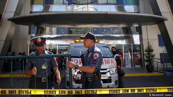Cương quyết không chịu đeo khẩu trang trong dịch Covid-19, người đàn ông Philippines bị cảnh sát bắn chết-1