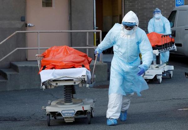 Hình ảnh đau thương tại tâm dịch New York: Thi thể nạn nhân COVID-19 xếp hàng chật hành lang bệnh viện-3