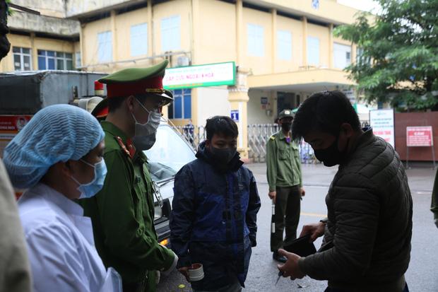 Bị triệu tập vì nghi ăn trộm, nam thanh niên dọa vừa từ Bạch Mai về để trốn công an-1