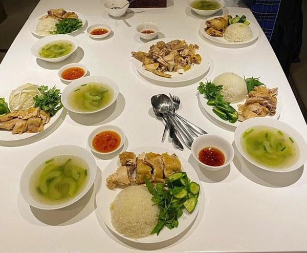 Mâm cơm trong những ngày cách ly xã hội của nghệ sĩ Việt-1
