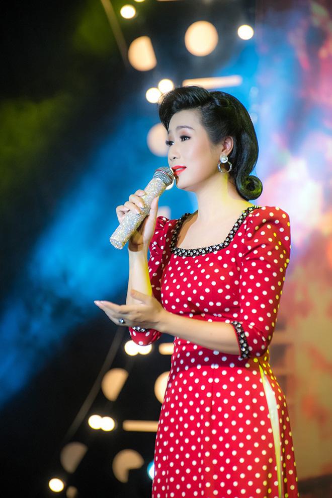 Á hậu đặc biệt nhất showbiz Việt: Tài năng xuất chúng, có mối tình đẹp 9 năm với Quyền Linh-2