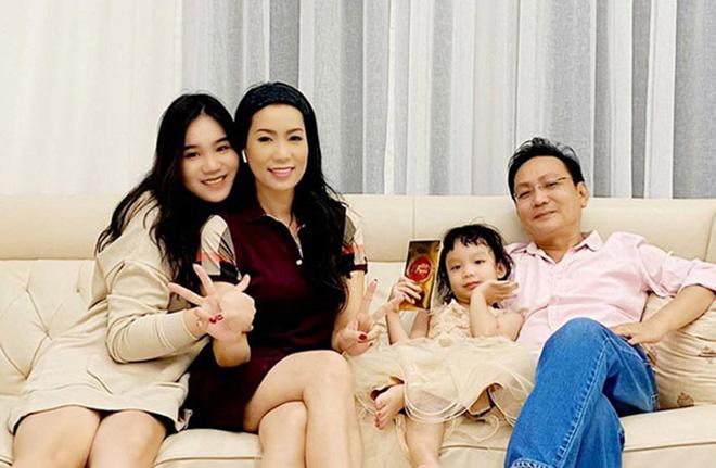 Á hậu đặc biệt nhất showbiz Việt: Tài năng xuất chúng, có mối tình đẹp 9 năm với Quyền Linh-4