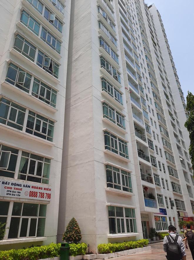 Vụ tiến sĩ - luật sư Bùi Quang Tín tử vong: Công an trích xuất toàn bộ camera ở khu vực chung cư-4