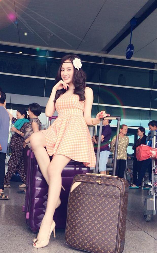 """Nhìn lại mới thấy style sân bay của sao Việt khi xưa thật mắc mệt"""": Người tương hẳn váy dạ hội, người leo guốc 20cm-7"""