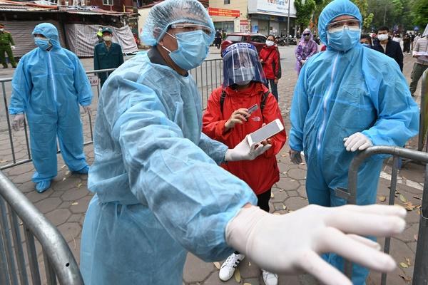 Chuyên gia: Nếu BN243 ở Mê Linh là người lành mang trùng vẫn có thể lây qua giọt bắn-1