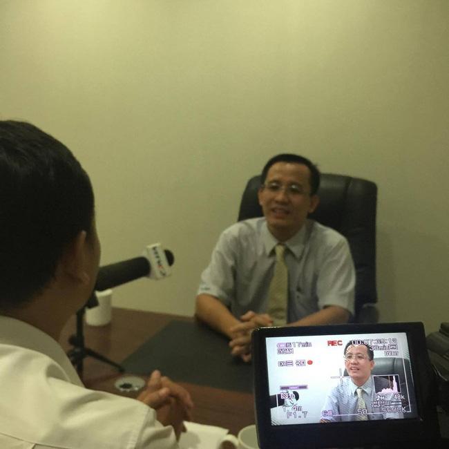 Tiết lộ vật chứng thu được tại nơi Tiến sĩ Bùi Quang Tín rơi tầng 14 tử vong, Đại học Ngân hàng TP.HCM lên tiếng-2