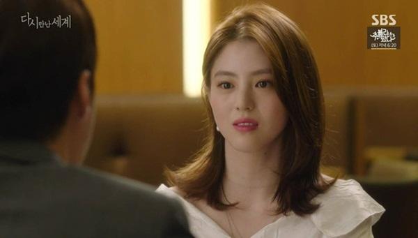 Han So Hee trong Thế giới hôn nhân: Gây chú ý nhờ nhan sắc giống Song Hye Kyo, chọc điên khán giả khi vào vai tiểu tam mặt dày-2