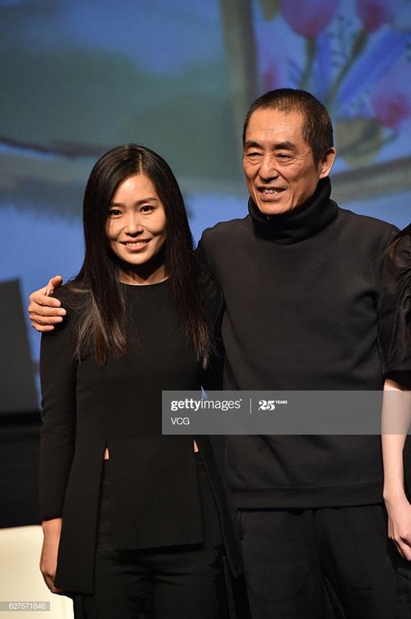 Con gái Trương Nghệ Mưu: Tuổi thơ bất hạnh vì bố mẹ ly hôn, đòi từ mặt cha khi bị cấm yêu-4