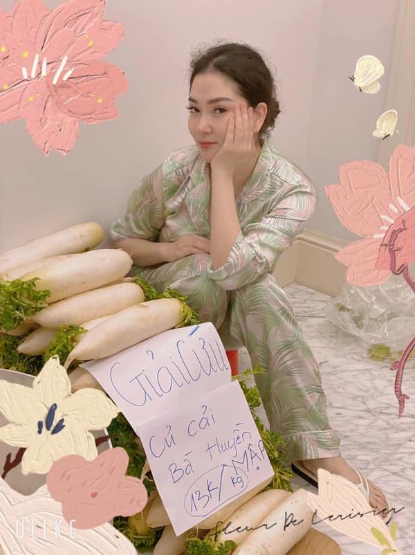 Hoa hậu Nguyễn Thị Huyền để lộ ảnh con gái xinh xắn cùng cuộc sống rất nhiều niềm vui-1