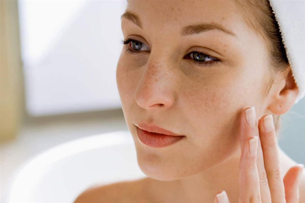 Chiêu làm đẹp của Mai Ngọc chỉ một viên Vitamin C mỗi ngày, chị em tuổi 30+ có thể bắt đầu với 5 gợi ý sau để da đẹp eo thon dần đều-1
