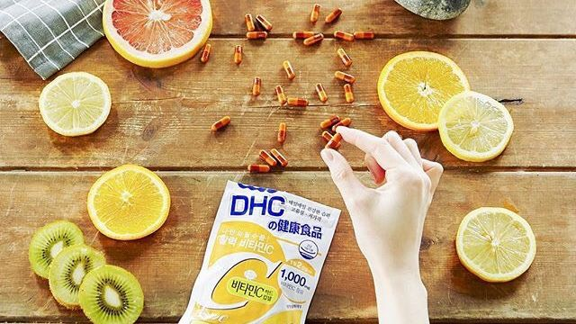 Chiêu làm đẹp của Mai Ngọc chỉ một viên Vitamin C mỗi ngày, chị em tuổi 30+ có thể bắt đầu với 5 gợi ý sau để da đẹp eo thon dần đều-9