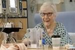 Cụ bà 90 tuổi kể lại khoảnh khắc 'sắp lìa đời' vì Covid-19 nhưng sau đó bỗng hồi phục kỳ diệu vì một lý do đơn giản