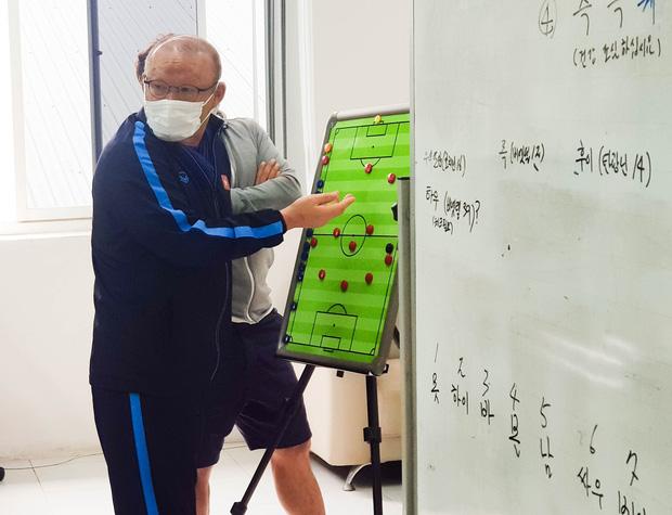 """HLV Park Hang-seo: Chúng tôi vẫn chăm chỉ làm việc để chuẩn bị tốt các phương án cho ĐT Việt Nam""""-2"""
