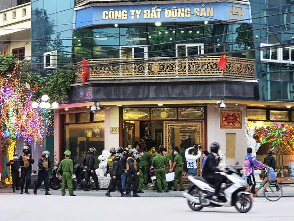 Thú ăn chơi đốt tiền của nữ đại gia Dương Đường vừa bị bắt-1