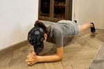 Không đến được phòng tập, loạt sao Việt quyết tâm không cho mỡ 'đậu' trên bụng nhờ plank mỗi ngày