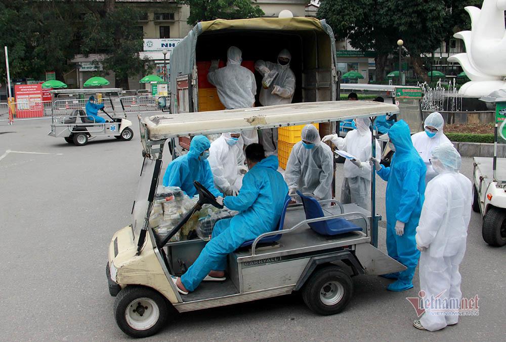 Chủ tịch Hà Nội: Có thể thở phào từ thông tin mới ở ổ dịch Bạch Mai-2