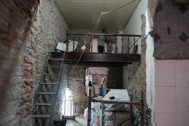 Trai phố cổ lột xác căn nhà trăm tuổi 16m2 thành homestay xinh xắn, nhìn ảnh before mới thấy đáng tiền-1