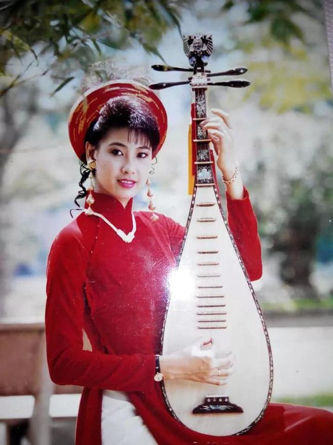 Hà Kiều Anh chia sẻ ảnh gần 30 năm trước, nhan sắc khiến cả Hoa hậu không tuổi Giáng My cũng phải trầm trồ: Đẹp như Kiều!-1