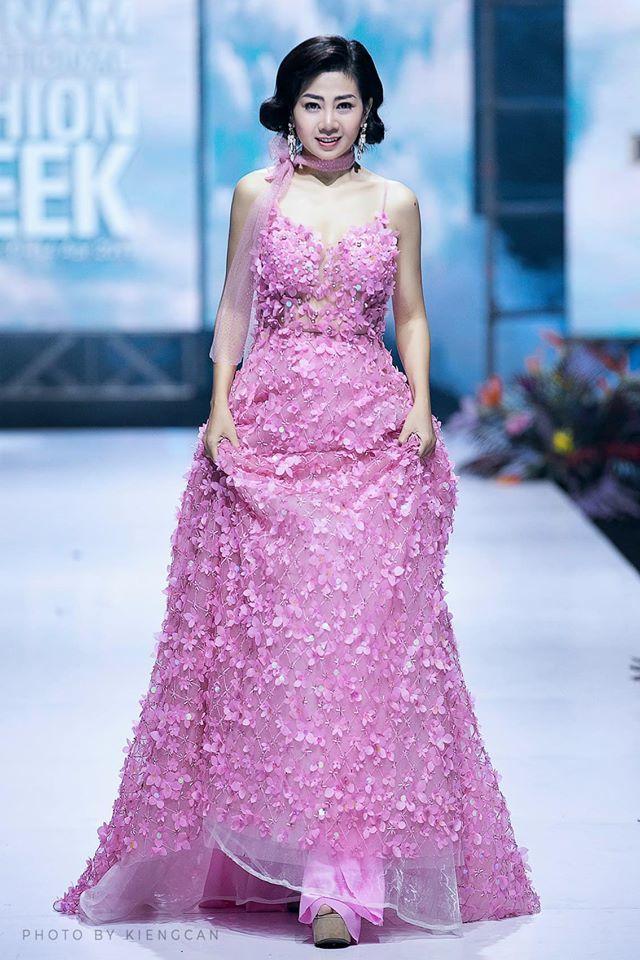 Người đấu giá váy Mai Phương hủy phút chót: Số phận chiếc váy bất ngờ rẽ hướng-2