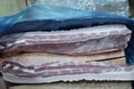 Vì sao các siêu thị không bán thịt lợn đông lạnh nhập khẩu?