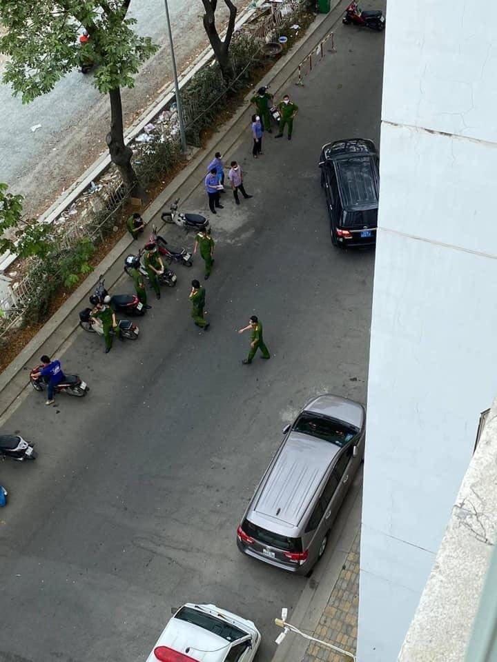 Công an TP.HCM phong tỏa hiện trường nơi tiến sĩ Bùi Quang Tín rơi lầu-2