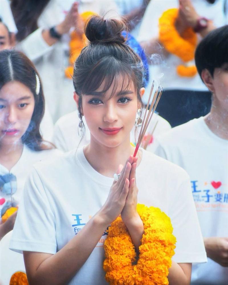 Nhan sắc và style của nữ diễn viên bóc phốt Huyền Baby: Dù cùng tuổi mà đẹp thần sầu, lấn át cả hot mom Việt-3