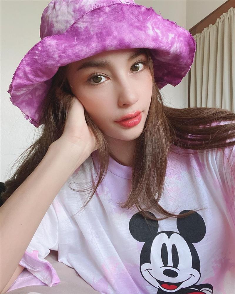 Nhan sắc và style của nữ diễn viên bóc phốt Huyền Baby: Dù cùng tuổi mà đẹp thần sầu, lấn át cả hot mom Việt-6