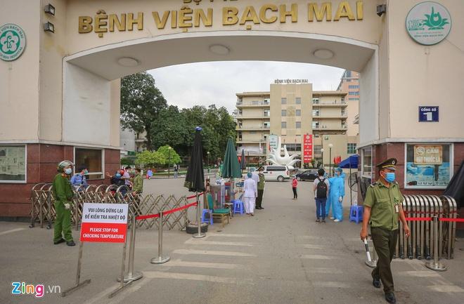 Chuẩn bị dỡ cách ly Bệnh viện Bạch Mai-1