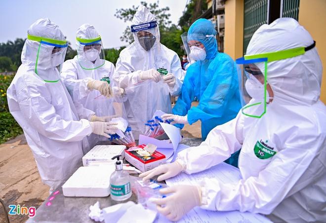 Chuẩn bị dỡ cách ly Bệnh viện Bạch Mai-2
