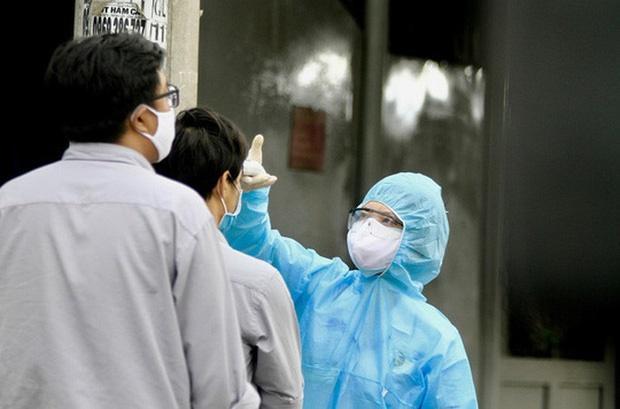 TP HCM: Cách ly 2 người Trung Quốc có thân nhiệt 39 độ C-3