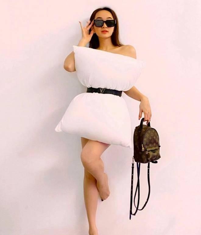 Trấn Thành nhập hội đu trend lấy gối làm váy kém gì mỹ nhân Việt đâu: Thần thái chuẩn fashionista, vai trần đâu ra đấy-4