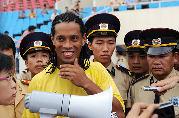 Dàn sao Brazil xịn nhất lịch sử từng đến Việt Nam du đấu: Người vào tù ra tội, nhiều danh thủ mãi chỉ là tài năng trẻ-5