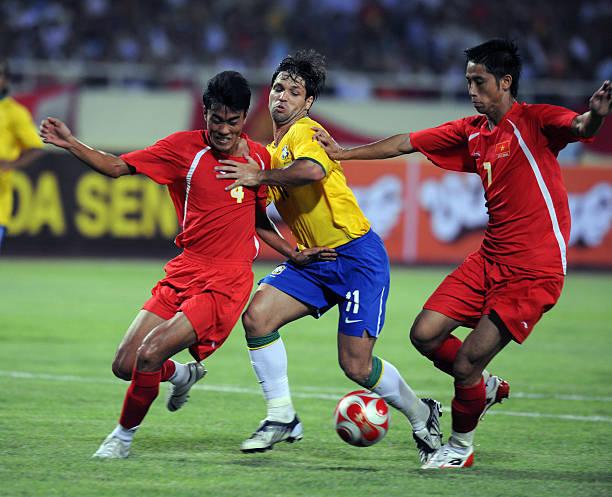 Dàn sao Brazil xịn nhất lịch sử từng đến Việt Nam du đấu: Người vào tù ra tội, nhiều danh thủ mãi chỉ là tài năng trẻ-7