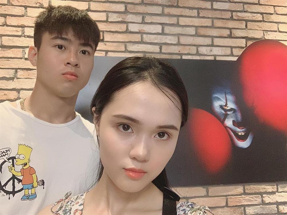 Vợ Duy Mạnh là tiểu thư nhà giàu nhưng skincare siêu đơn giản chỉ với 2 món để da căng bóng như gái Hàn-5